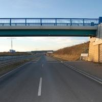 Unfallschwerpunkt Nr. 2 in Schwerin - jedenfalls wenn man von der Messpunkthäufigkeit ausgeht. Umgehungsstraße Höhe Margaretenhof (Plaza) Richtung Lankow. Kein Fußgängerverkehr, aber Tempo 70. Gemessen wurde man bei Unterqueren der Brücke.