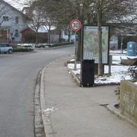 MB Bus wie auf dem Bild zu erkennen, Blitzer ist in einer Mülltonne eingebaut um was für eine Technik sich handelt kann ich nicht sagen