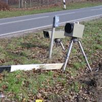 hier die W-LAN Kamera mit Wabenfilterblitz für die Aufnahmen stadtauswärts-Richtung A1