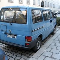 Abgestellter Radarwagen des PP München. Radargerät war zum Zeitpunkt der Aufnahme ausgebaut...