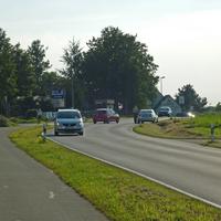 Laserkontrolle am 23.9.2010 an der Sparkasse / Egerlandstraße: Anhaltevorgang, Lasermessgerät im Schatten gut versteckt, auch Polizeifahrzeug nicht zu sehen.