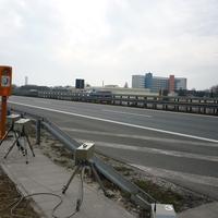 Lan-Kamera für die linke, WLan-Kamera für die rechte Fahrbahn ausgerichtet.