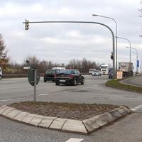 Der schwarze Opel-Vectra RZ - S 874 biegt gerade auf die A1 in Rtg. Fehmarn / A 226 ab.
