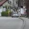 Der steht ja sehr verdächtig an der Bushaltestelle und es ist kein Bus.:):)