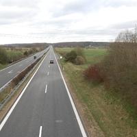 Übersicht über die Messstelle Rtg. Norden, vom Dreieck Schwerin kommend. Gerader Streckenverlauf, aber kein Standstreifen.
