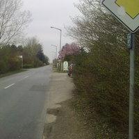 30km/h aufm Parkplatz der Gartensparte ... blauer Skoda Roomster