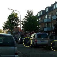 """Rechter Kreis der versteckte ES 3.0 Sensor sowie links vor dem VW-Messbus das """"Blitzgeschirr""""..."""
