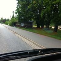 und hier eine Fotoeinrichtung zur Dokumentation des Geschwindigkeitsverstoßes an der Hütte aufgestellt. Laut Radiosender wurde beidseitig geblitzt. Meine Aufnahmen zeigen die Fahrtrichtung nach Schönberg / Lübeck.