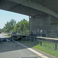 Im Kreuz Ölper unter der Brücke vor der Auffahrt aus Watenbüttel
