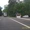 stationärer Blitzer befindet sich hinter der Bushaltestelle