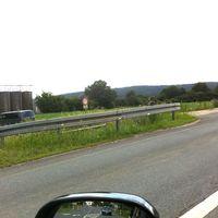Hinter Ortsschild Breitengüßbach, Messung Fahrtrichtung Baunach. Lichtschranke/Messgerät steht linksseitig, bei Gegenverkehr leicht zu übersehen.