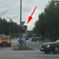 Ahrensburger Straße Richtung Rodigallee - mittig