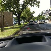 Fahrrichtung: Stadtmitte in Richtung Autobahn A661.