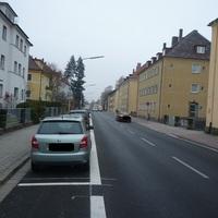 Anfahrt in 2 spurige Einbahnstraße