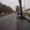 Bundesstraße 7 Richtung Warburg. Blitzerauto (blauer Opel Zafira) steht rechts auf dem Parkstreifen, auf Höhe Tedox.
