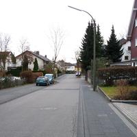 Anfahrt auf den Blitzer. Zulässige Geschwindigkeit 30 Km/h, es wurde Richtung Bonn-Ramersdorf gemessen.