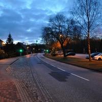 Richtung Schwerin, mit Tarnnetz, spät im Dunkeln zu sehen.