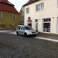 PKW´s die von der Kolpingstraße in die Senftenberger Straße fahren werden geblitzt!