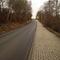 Straße verführt die Geschwindigkeit zu erhöhen, da es leicht vergauf geht.