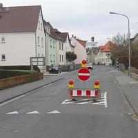 Aus Richtung Roller ---> Gießener gesperrt. Offenbar möchte man den LKW Verkehr zum Gewerbegebiet reduzieren.
