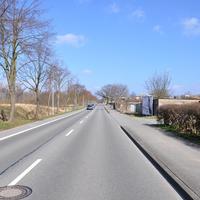 Anfahrt stadteinwärts, kurz hinter dem Autohaus Ahnefeld. Minimale Erkennungschancen des Sensors. Die Kamera war erst nach der eigentlichen Messung zu sehen.
