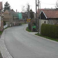 Anfahrt von Closewitz kommend kurz nach Ortseingang Lützeroda