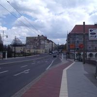 Ampelblitzer in Richtung Innenstadt (Osten) direkt an der Kreuzung zum Bahnhof