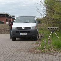 In der Strasse Herrenholz, heute mal in Rtg. Autobahn und Citty u.s.w. gemessen aus der versteckten Position auf dem privaten Parkplaz...