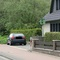 Attrappe im Garten des letzten Hauses vorm Ortsausgang in Rtg. HI fahrend. Steht relativ auffällig, sieht aber auch nicht besonders echt aus