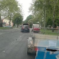 Der Meßwagen verlässt die Meßstelle. Es wurde stadteinwärts geblitzt