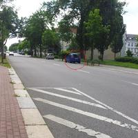 Von der Zschopauer Straße Höhe Lutherstraße in landwärtige Rtg. kommend, in der leichten Rechtskurve!