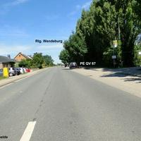 der bekannte Golf (PE QV 87) blitzte am 23.07.12 die aus Vechelde kommenden Autos. Der Herr lies sich widerstandslos fotografieren