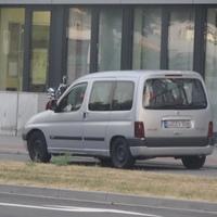 Das Messfahrzeug: ein Citroen Berlingo LU-EV 506, Traffipax speedophot (K-Band)