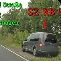 Der dunkelgraue VW Caddy Maxi der Stadt Salzgitter (SZ-RB-3114)