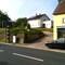 Blitzer steht ca. 6 m weiter zurück in Richtung Ortsschild in Richtung 74889 Sinsheim nach der kleinen Straßeneinfahrt u, nicht davor wie eingetragen!