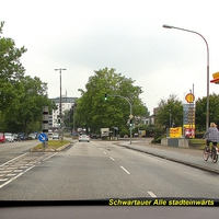 Aus Richtung von  Bad Schwartau kommend, der untere Bereich für das Lidar-Messgerät ist aus dieser Sicht verdeckt ...