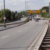 Nur noch ca. 50 Meter bis zur Messstelle. Fahrtrichtung Mannheim - Bad Dürkheim. 70 erlaubt.