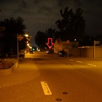 Ludwigshafen-Edigheim: die Oppauer Strasse. Durchgängig nur 30 erlaubt. Fahrtrichtung: nach Oppau (also Süd), schwarzer VW Golf Kombi LU-DM 972