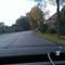 Anfahrt kurz hinterm Ortsschild. Die Straße macht eine leichte Rechtskurve. Hier ist noch nichts zu sehen, was auf eine Messung hindeutet.