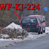 Der dunkelblaue Golf 4 Variant (WF-KJ-224) ex (PE-QV-87) mit seinem neuen Kennzeichen. In Münstedt am OA Richtung PE Schmedenstedt / B 65 ,gegenseitig geparkt. Dort gilt 50 Kmh.
