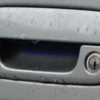 der neue alte Berlingo des LK Peine. das blau wurde umgeklebt (man sieht es noch an einigen Stellen) zu grau, das alte PE J 3007 Kennzeichen wurde zu GF GR 945!