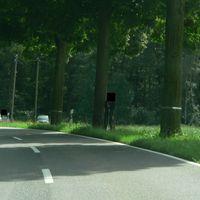 Links im hintergrund VW Touran(Grau) Anhaltekomando