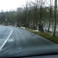 ..wenn man aus Rg. Erkrath/Düsseldorf kommt, ist bei einer Linkskurve ein PKW-Parkplatz mit auffälligen Felsbrocken.Der Blitzer kommt nach ca. 300m.