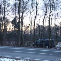 Leivtec XV3 mit Zusatzblitz und Messfahrzeug auf dem Feldweg