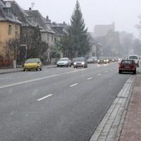 der bekannte Opel am 20.3. Stand als letztes Auto in der Parkreihe, vielen fiel der Wagen auch auf. Gemessen wurde stadteinwärts.
