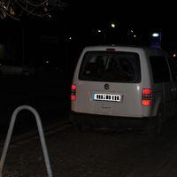 VW Caddy in weiß für beide Richtungen