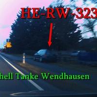 B 248 in Wendhausen kurz vor der Shell Tankstelle Richtung Braunschweig. 60 kmh. Waldgrüner VW Golf 4 (HE-RW-323)