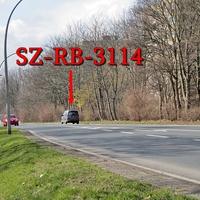 Der graue VW Caddy (SZ-RB-3114) in Salzgitter Thiede, Danziger Straße rechte Seite, nach der Fußgängerampel auf dem Radweg...wie immer 50 kmh.