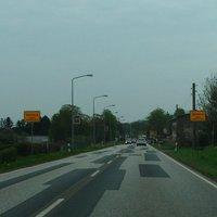 Fahrtrichtung Sassnitz, Ortseingang Samtenz