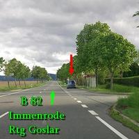 B 82 Immenrode Richtung Goslar, in 70iger Zone nach Immenrode, Mühlenbergsiedlung, steht der graue VW Caddy an der Bushaltestelle.